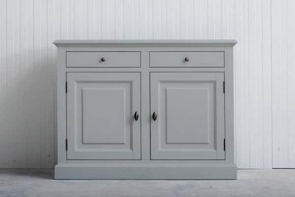Landelijk dressoir Bo 2-deuren 2-laden lichtgrijs.