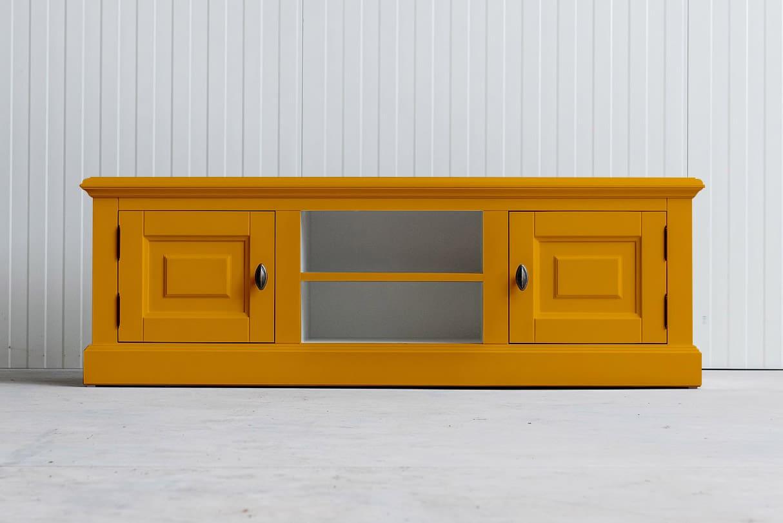 Landelijk tv-meubel Bo 2×2 goudgeel (RAL 1004)