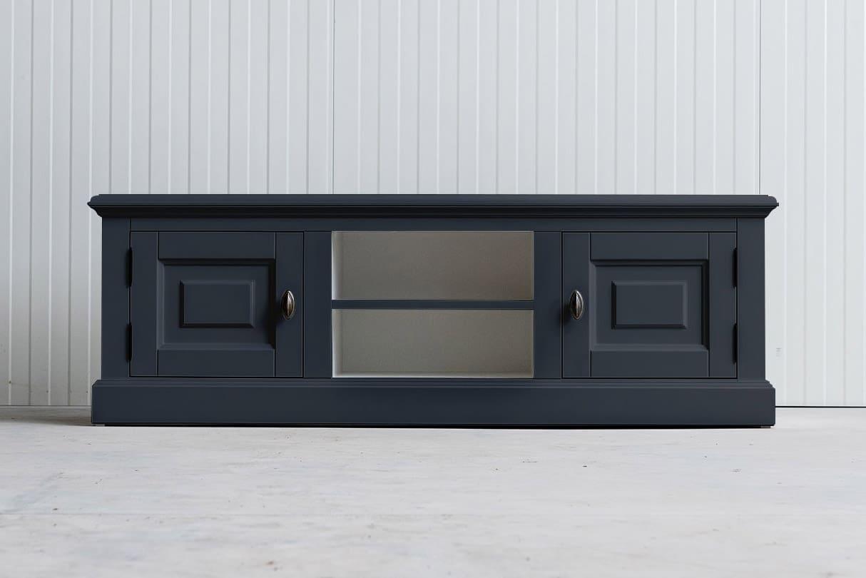 Landelijk tv-meubel Bo 2×2 grafietgrijs (RAL 7024)