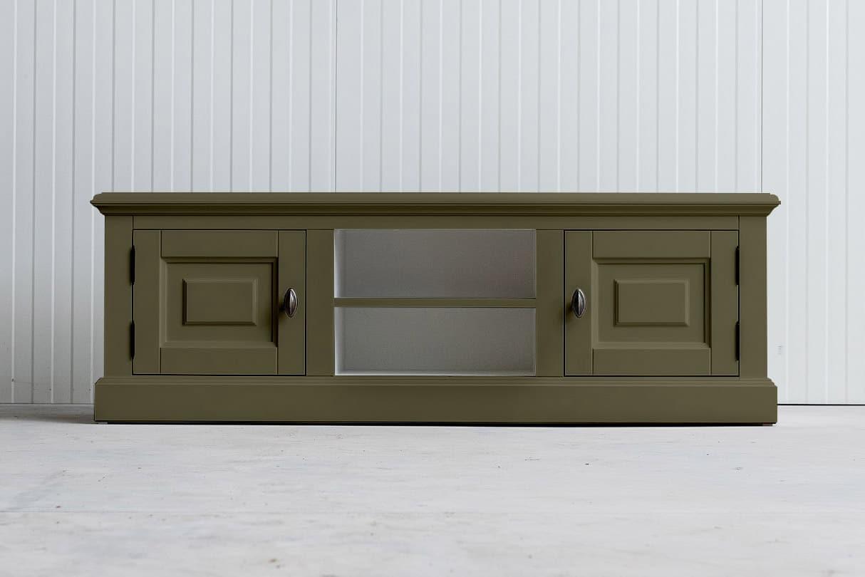 Landelijk tv-meubel Bo 2×2 rietgroen (RAL 6013)