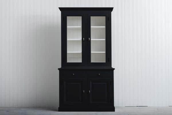 Landelijke Buffetkast Bo 2x2-deuren 2-laden zwart.