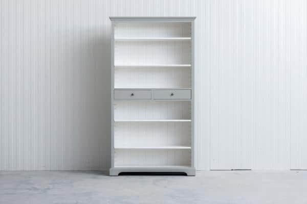 Landelijke boekenkast Bo 2-laden lichtgrijs.