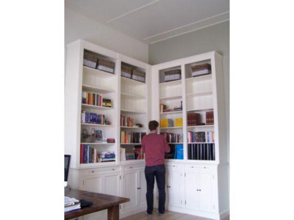 Hoek landelijke boekenkast vleuten
