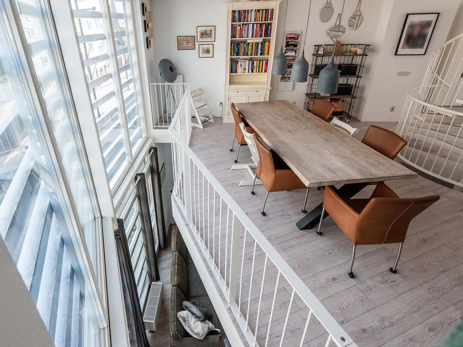 meubels-tafel-woning-interieur