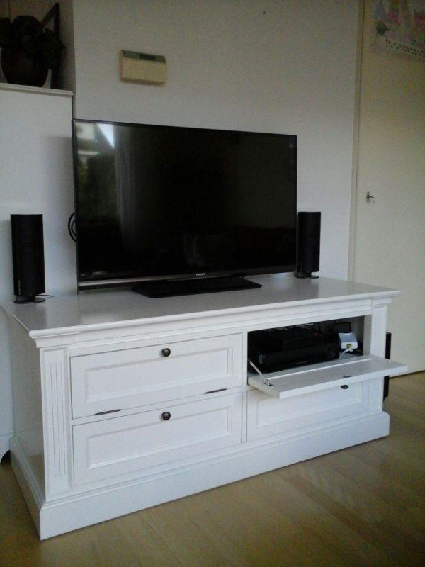 Tv meubel huis collectie Bo op maat gemaakt